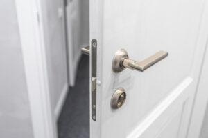 Keyholding: Front Door Open
